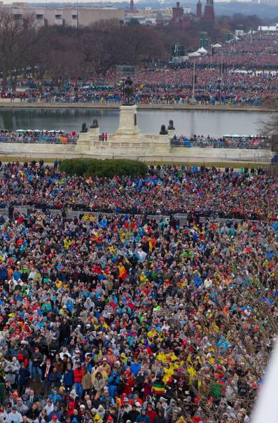 Foto menigte bij inauguratie Donald Trump