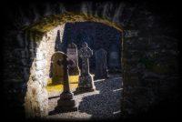 Aberfoyle, Highlands, Netherlands, Orphic, Schotland, Scotland, begraafplaats, celtic, cemetery, churchyard, cross, crosses, dark, darksome, duister, dutch, elves, faery, fairies, fairy, fee, feeën, geheim, geheimzinnig, graf, grafsteen, grafstenen, grave, graveside, graveyard, keltisch, kerkhof, kruis, mysterious, mystical, mystiek, onbekend, phantom, resting place, riten, rites, rituals, ritueel, rituelen, secret, secretive, shady, spoken, spook, spookachtig, tomb, tombstone, tombstones, trossachs, uncanny, unknown